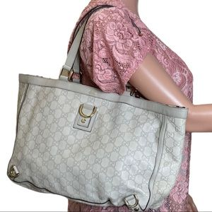 Authentic GUCCI 100% Leather Shoulder Handbag
